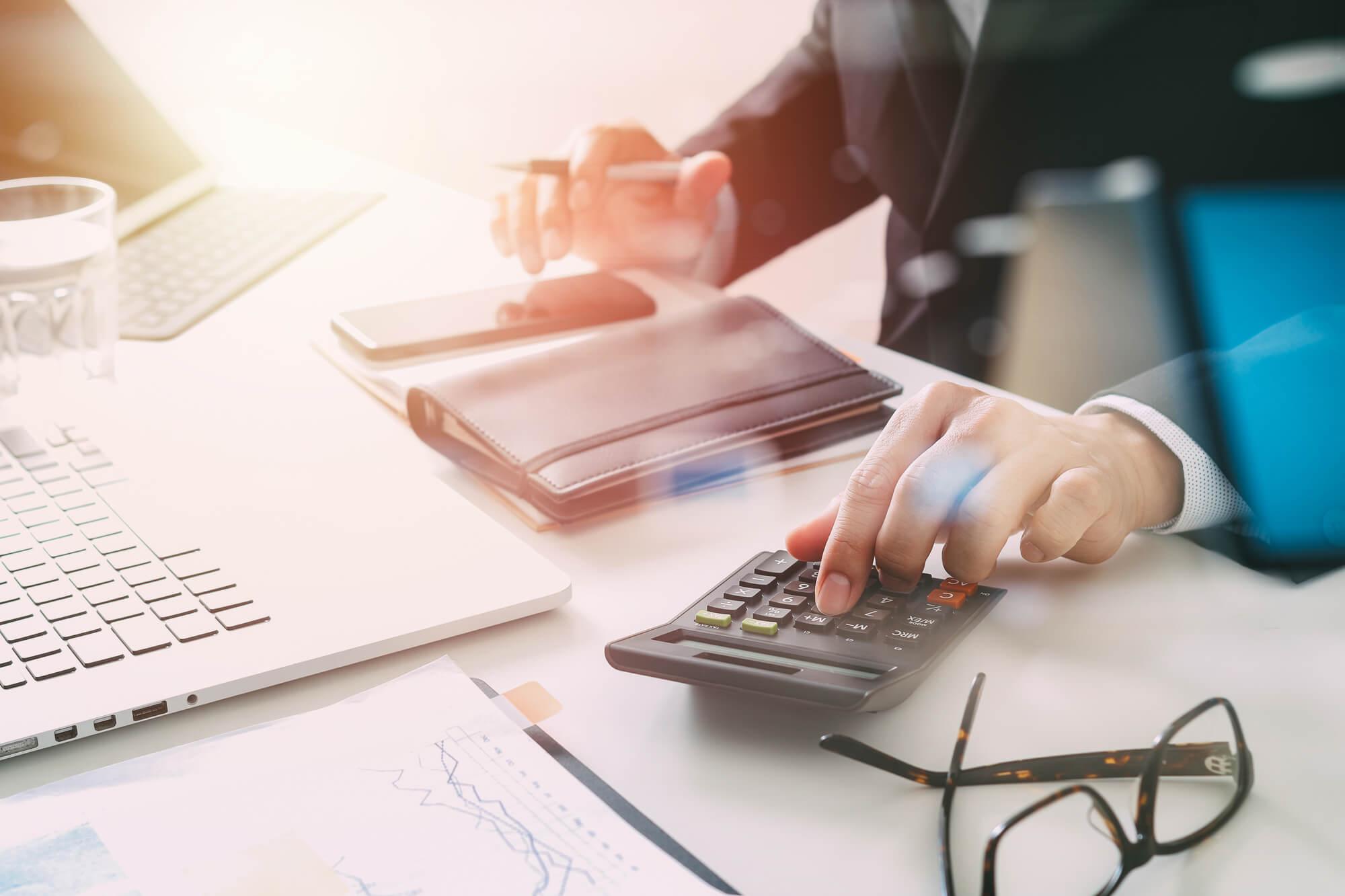 Como calcular e aumentar o giro de estoque da empresa? Confira!